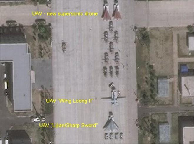 UAV Lợi Kiếm xuất hiện rầm rộ: TQ vạch áo cho người xem lưng yếu điểm của tàu sân bay? - Ảnh 1.