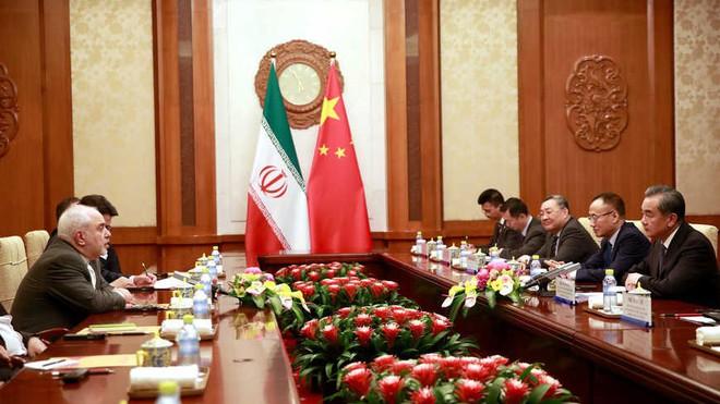 Dựa thế TQ để phá vòng kiềm tỏa, Iran cần thận trọng trước mối họa khó lường: Chơi dao có ngày đứt tay? - Ảnh 1.
