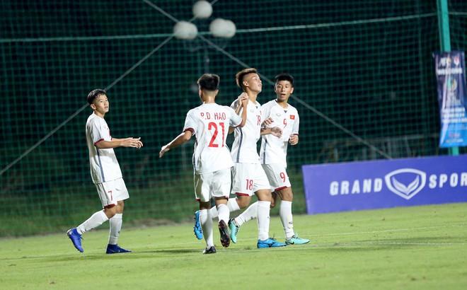 """KẾT THÚC Việt Nam 7-0 Mông Cổ: """"Mưa bàn thắng"""" ở Thủ đô"""