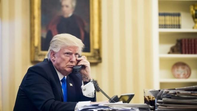 Ông Trump hứa gì với lãnh đạo nước ngoài mà khiến tình báo Mỹ 'đứng ngồi không yên'? - Ảnh 1.