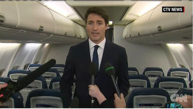 Thủ tướng Canada rối rít xin lỗi vì bức ảnh gần 20 năm trước - ảnh 2