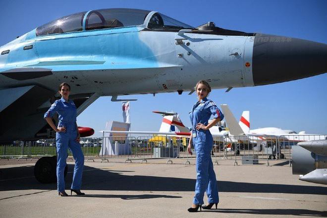 Phi công Ấn Độ bay thử chiến cơ MiG-35 ngay tại triển lãm MAKS - Ảnh 2.