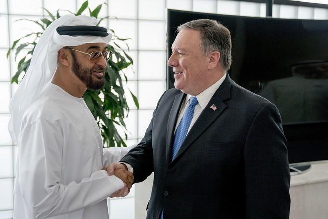 Các nhà máy lọc dầu và bến cảng của Kuwait cảnh báo khẩn - Ác mộng ở Saudi sẽ lặp lại? - Ảnh 3.