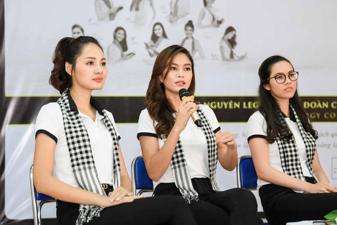 Hoa hậu Hương Giang: Sách quý là nguồn tri thức cần được chia sẻ - Ảnh 11.