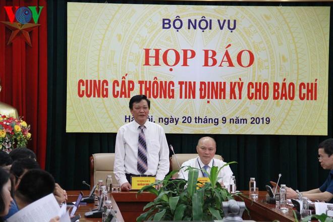 """Đại biểu Quốc hội Hồ Thị Cẩm Đào bị kiểm điểm vì đám cưới """"rình rang"""" cho con - Ảnh 2."""