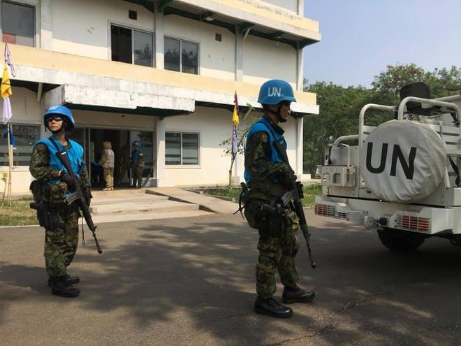 Chiến sĩ gìn giữ hòa bình Việt Nam huấn luyện sử dụng súng trường Pindad SS2 tối tân - Ảnh 5.