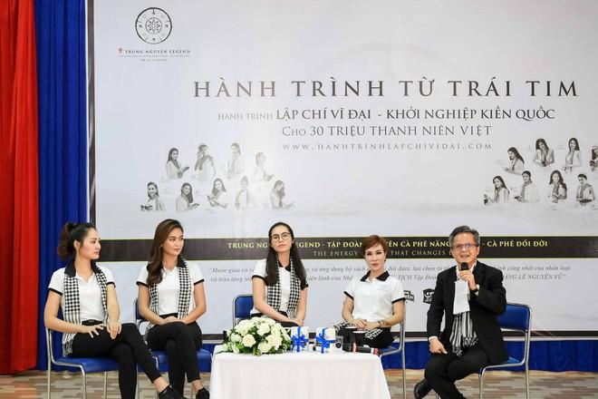 Hoa hậu Hương Giang: Sách quý là nguồn tri thức cần được chia sẻ - Ảnh 10.