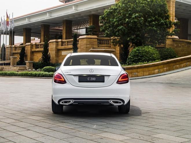 Giảm giá sốc 225 triệu đồng, mẫu ô tô này có gì hay? - Ảnh 8.