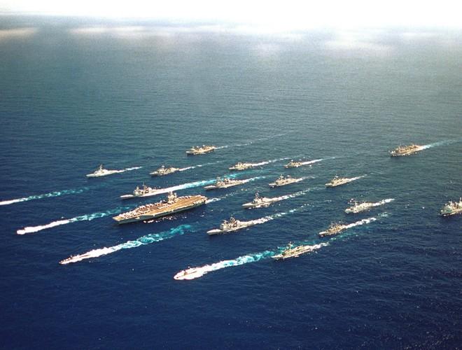 Nếu nghênh chiến, tàu sân bay Mỹ sẽ thắng Trung Quốc - Chuyên gia Nga nhận định - Ảnh 3.