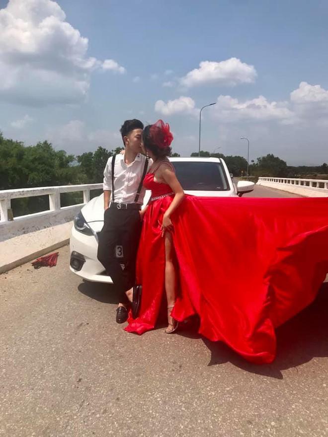 Đang đi đường thì nhận được đề nghị kỳ lạ, hành động của tài xế ô tô khiến tất cả khen ngợi - ảnh 1