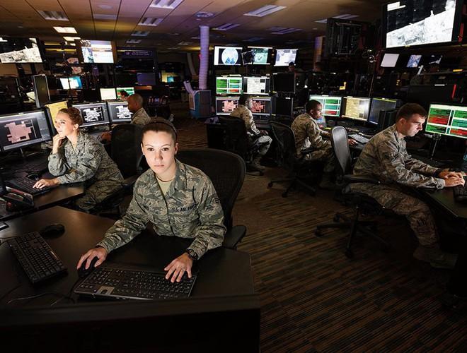 Nếu nghênh chiến, tàu sân bay Mỹ sẽ thắng Trung Quốc - Chuyên gia Nga nhận định - Ảnh 8.