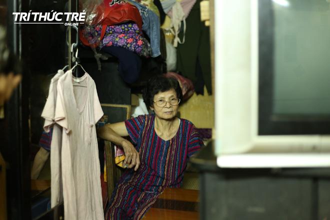 Chuyện hy hữu giữa Thủ đô: Cặp vợ chồng sống trên nóc nhà vệ sinh suốt… 44 năm - ảnh 10