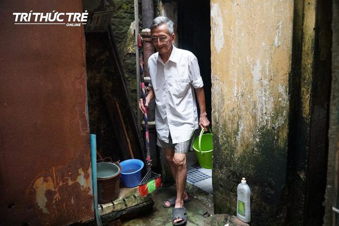 Chuyện hy hữu giữa Thủ đô: Cặp vợ chồng sống trên nóc nhà vệ sinh suốt… 44 năm - ảnh 4