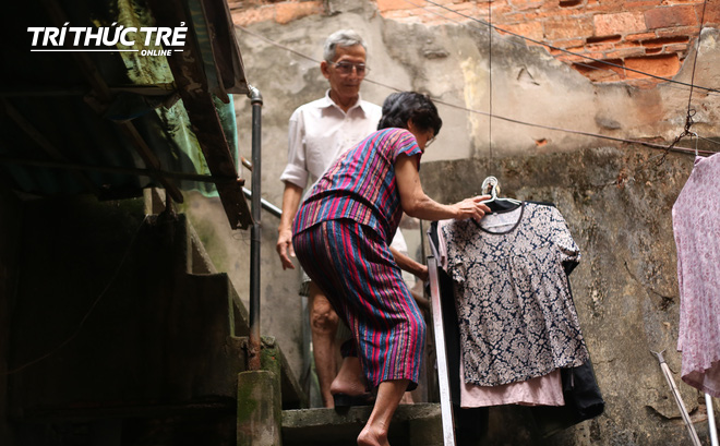 Chuyện hy hữu giữa Thủ đô: Cặp vợ chồng sống trên nóc nhà vệ sinh suốt… 44 năm