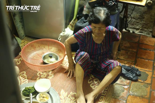 Chuyện hy hữu giữa Thủ đô: Cặp vợ chồng sống trên nóc nhà vệ sinh suốt… 44 năm - ảnh 9
