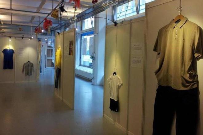 Bỉ mở triển lãm những trang phục của nạn nhân hiếp dâm để chứng minh việc ăn mặc thế nào không hề là nguyên nhân khiến phụ nữ bị cưỡng bức - Ảnh 1.