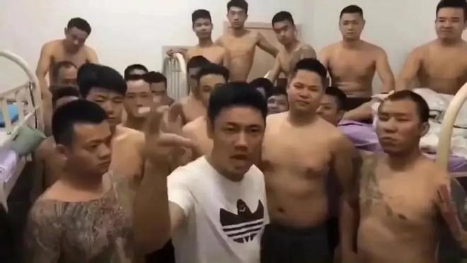 Hàng nghìn người Trung Quốc bất ngờ ồ ạt rời Campuchia: Nguyên nhân đằng sau là gì? - Ảnh 1.