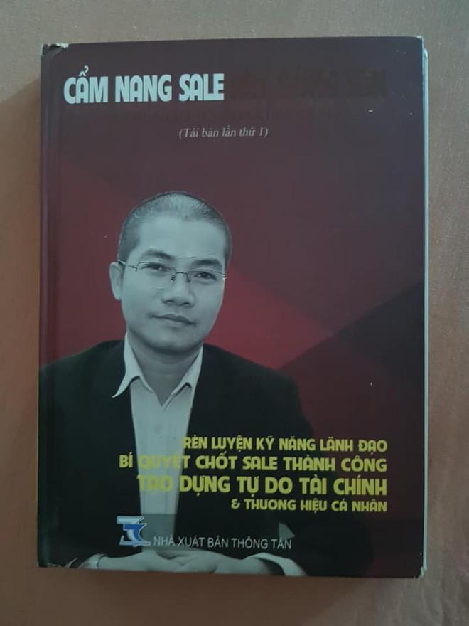 Nhà xuất bản nói gì về cuốn sách Nguyễn Thái Luyện dạy nhân viên Alibaba bí kíp lừa đảo? - Ảnh 2.
