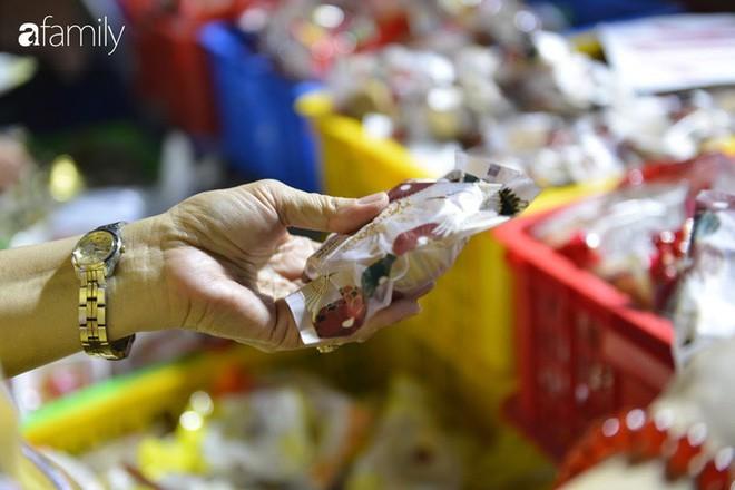 Hà Nội 1 tuần sau Trung thu: Bánh giá siêu rẻ bán đầy đường, có phải cơ hội vàng cho người tiêu dùng mua sướng tay? - Ảnh 15.