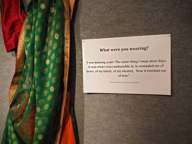 Bỉ mở triển lãm những trang phục của nạn nhân hiếp dâm để chứng minh việc ăn mặc thế nào không hề là nguyên nhân khiến phụ nữ bị cưỡng bức - Ảnh 6.