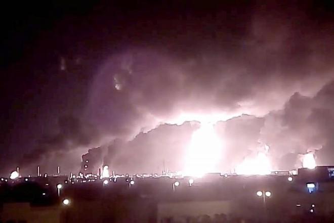 Phòng không Saudi Arabia đang trốn ở đâu khi các cơ sở dầu trọng yếu bị tấn công dữ dội? - Ảnh 1.