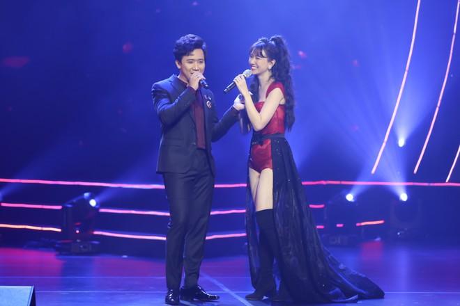 Hari Won bật khóc trước hàng ngàn khán giả - Ảnh 5.