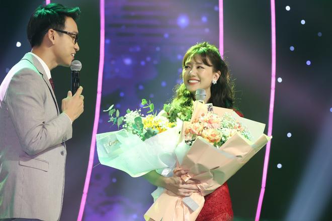 Hari Won bật khóc trước hàng ngàn khán giả - Ảnh 13.