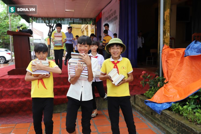 GÓP 1 CUỐN SÁCH mang lại niềm vui cho thầy và trò Châu Minh - Ảnh 10.