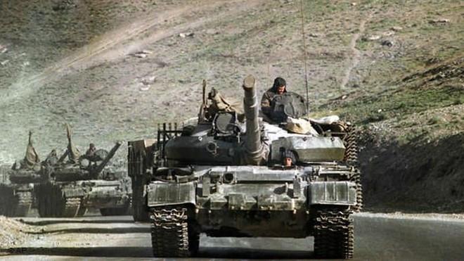 Tình báo CIA Mỹ đã mua chiếc xe tăng quốc bảo và tối mật của QĐ Liên Xô như thế nào? - Ảnh 1.