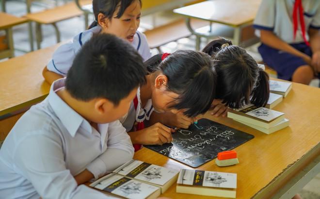 Chuyên viên PGD nơi lập kỳ tích thoát nghèo ở Hậu Giang nói về cách dạy làm giàu của Đặng Lê Nguyên Vũ