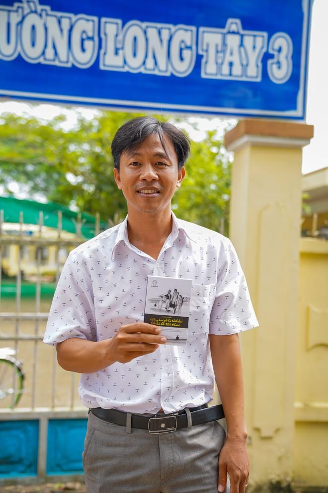 Chuyên viên PGD nơi lập kỳ tích thoát nghèo ở Hậu Giang nói về cách dạy làm giàu của Đặng Lê Nguyên Vũ - Ảnh 2.