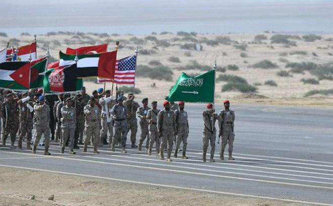 """Cách tiếp cận """"sặc mùi thuốc súng"""" của Mỹ với Iran: NATO của Trung Đông?"""