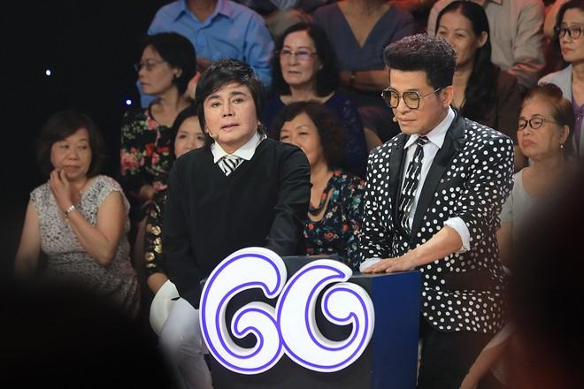 MC Thanh Bạch kể về Tổ nghề của giới nghệ sĩ miền Nam: Xuống một câu là khán giả kẹp tiền vào quạt ném lên - Ảnh 3.
