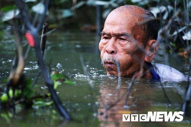 Phi công huyền thoại Nguyễn Văn Bảy - anh hùng lái máy bay khi chưa biết đi xe đạp - Ảnh 1.