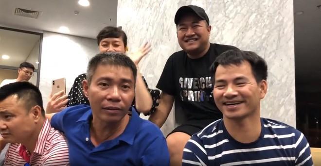 Táo quân bất ngờ tung clip cực hài nhưng dân mạng chỉ chú ý tới gương mặt khác lạ của ca sĩ Minh Quân - ảnh 1