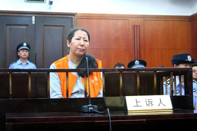 Nữ cục trưởng Trung Quốc dâm đãng, ngủ với cả sếp lẫn nhân viên - Ảnh 1.