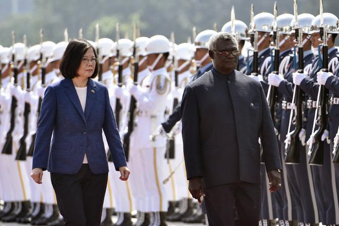 Trung Quốc kết bạn và lời di huấn về chiến lược ngoại giao vừa đẹp mắt, vừa ngon miệng của Mao Trạch Đông - Ảnh 1.