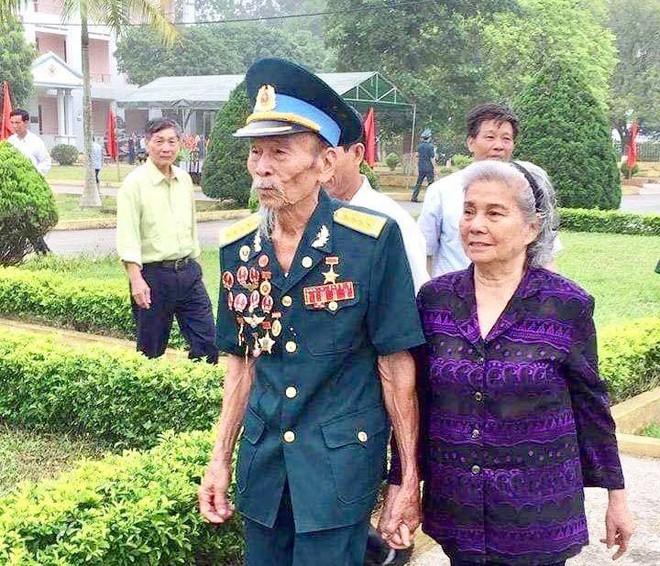 Phi công huyền thoại Nguyễn Văn Bảy - anh hùng lái máy bay khi chưa biết đi xe đạp - Ảnh 4.