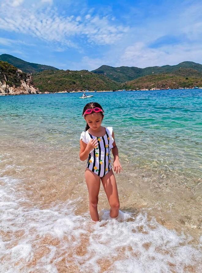Mới 7 tuổi, con gái diva Hồng Nhung đã sở hữu nhan sắc thiên thần lai đẹp đến khó rời mắt - ảnh 6