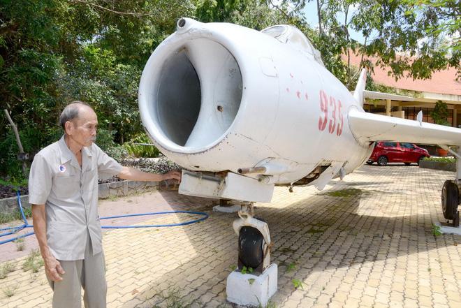 Vì sao mỗi lần tới Việt Nam các phi công Mỹ xin gặp bằng được phi công Nguyễn Văn Bảy? - Ảnh 3.