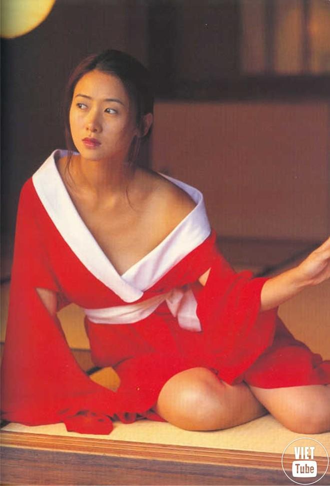 Nữ hoàng 18+ Hong Kong: Tủi nhục bị chồng đuổi khỏi nhà, hối hận vì đóng phim cấp ba - Ảnh 3.