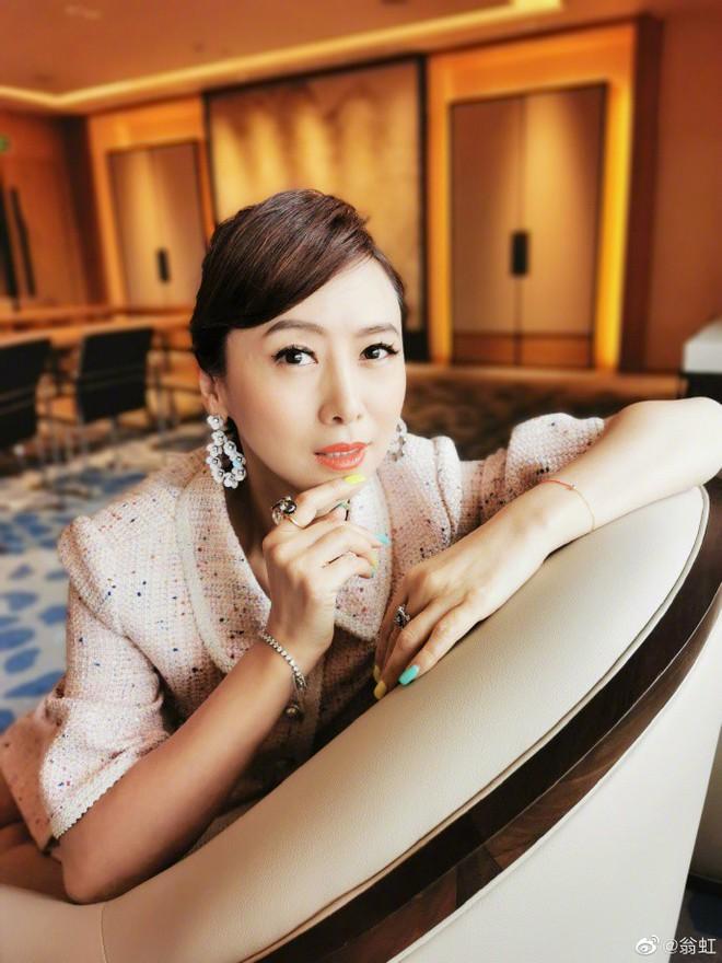 Nữ hoàng 18+ Hong Kong: Tủi nhục bị chồng đuổi khỏi nhà, hối hận vì đóng phim cấp ba - Ảnh 11.
