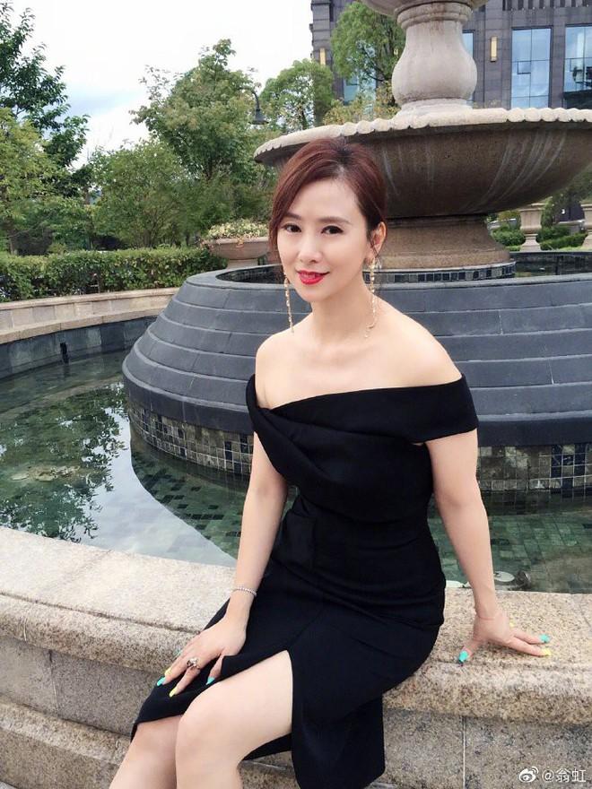 Nữ hoàng 18+ Hong Kong: Tủi nhục bị chồng đuổi khỏi nhà, hối hận vì đóng phim cấp ba - Ảnh 13.