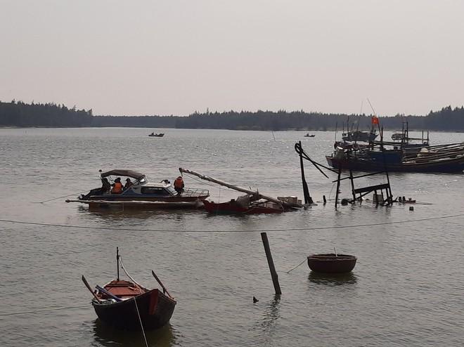 Vụ tàu cá nổ như bom ở Thanh Hóa: Tìm thấy thi thể cuối cùng - Ảnh 3.