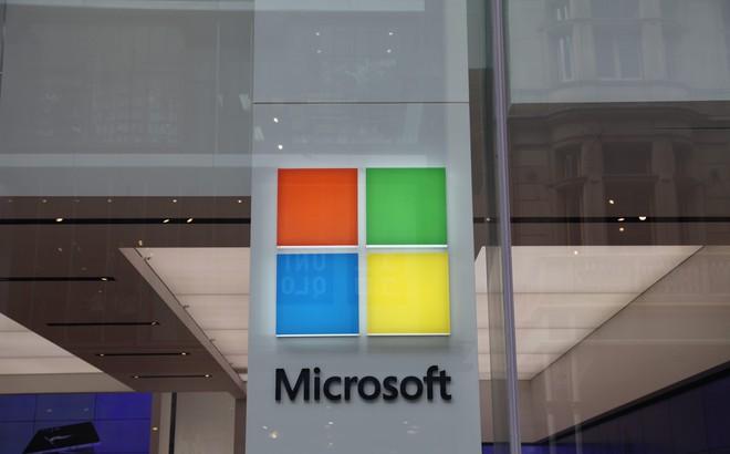 Một nhân viên bán hàng của Microsoft đã cho tôi lí do để từ bỏ iPhone