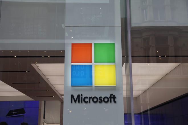 Một nhân viên bán hàng của Microsoft đã cho tôi lí do để từ bỏ iPhone - Ảnh 1.
