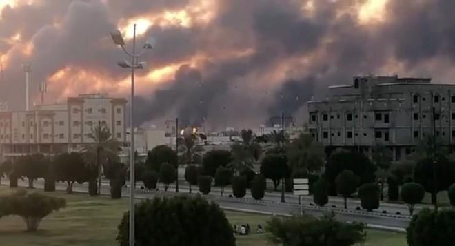 Khủng bố IS phục kích khiến hàng chục lính Nga và Syria thương vong - Đại sứ quán Mỹ tại Baghdad bị tấn công - Ảnh 19.
