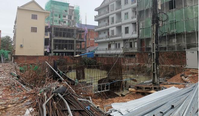 Sòng bạc mọc lên như nấm, dân nghèo lặng lẽ rời đi vì tiền TQ: Canh bạc lớn của thành phố biển Campuchia liệu có đáng? - Ảnh 3.