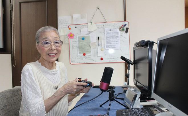 Cụ bà 89 tuổi vẫn chơi game hành động mỗi ngày