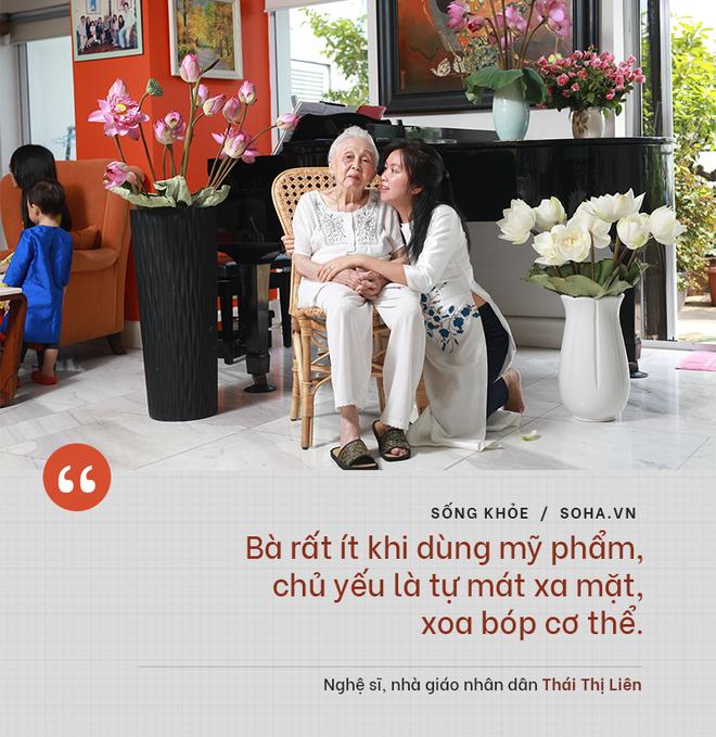 Bí quyết từ 'người mẹ vĩ đại' 102 tuổi của NSND Đặng Thái Sơn: Thể dục, thiên nhiên, nước muối... và mỹ phẩm - ảnh 8